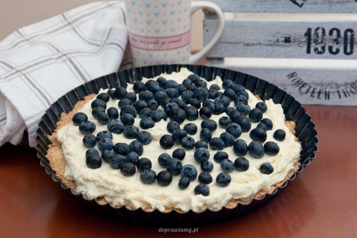 Owsiana tarta z mascarpone i białą czekoladą