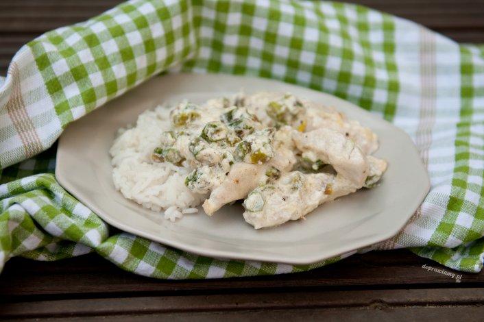 Kurczak w kremowym sosie ze szparagami