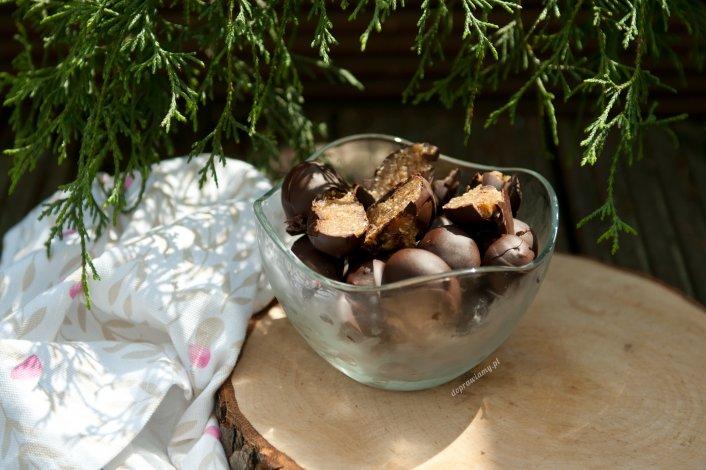 Orzechowe zdrowe kulki z daktyli i płatków owsianych